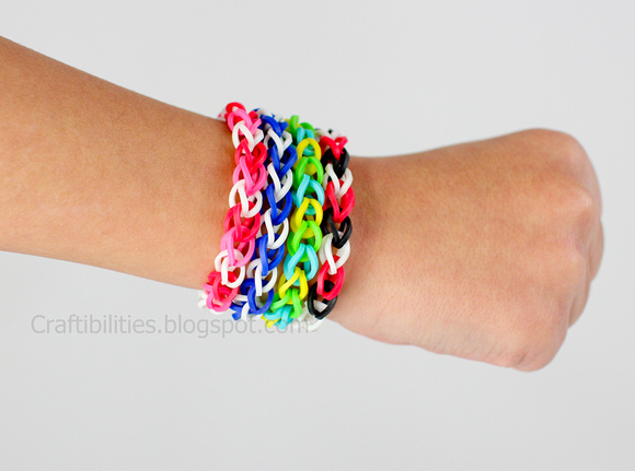 RUBBER BAND bracelets - Make it {{without}} a loom! TUTORIAL